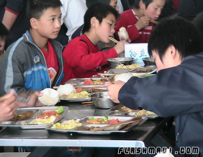 wushu students lunch time